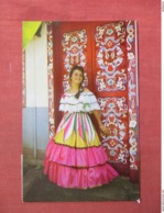 Typical Dress   Costa Rica   Has Stamp & Cancel      Ref 3761 - Costa Rica
