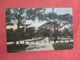 GEORGETOWN DEMERARA SOUTH AMERICA    Has Stamp & Cancel      Ref 3761 - Postcards