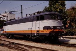 Photo Diapo Diapositive Slide Train Wagon Locomotive Electrique SNCF BB 9703 Le 18/08/1993 VOIR ZOOM - Diapositivas