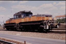 Photo Diapo Diapositive Slide Train Wagon Locomotive Electrique SNCF CC 1101 Le 23/08/1993 VOIR ZOOM - Diapositivas