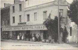 35. DINARD. LA PLACE DE LA GARE L HOTEL BUVETTE . TABAC LE XX EME SIECLE - Dinard