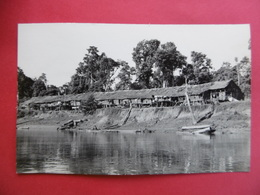 SARAWAK   ( MALAYSIA )  CARTE PHOTO De Maisons Au Bord D'un Fleuve            -  KUCHING  - MALAISIE - Malaysia