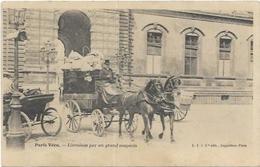 75. SERIE PARIS VECU. DILIGENCE DE LIVRAISON PAR UN GRAND MAGASIN - Francia