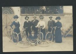 Cpa Photo - Groupe En Vélo, Non Datée Non Ecrite Au Dos    Maca0220 - Photographie
