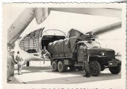 Militaria - Aviation - Avion Nord 2.501 Chargement De Parachutes à BOULHAUT Le 20 Septembre 1958 - - Aviation