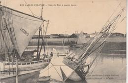 85 - LES SABLES D OLONNE - Dans Le Port à Marée Basse - Sables D'Olonne
