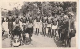 DANSE AUTOUR DES TAMBOURS 463M - Afrique