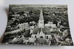 Meursault - L'église, Les écoles Et La Place De L'hotel De Ville - Meursault