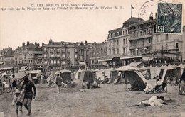 CPA LES SABLES D'OLONNE - UN COIN DE LA PLAGE EN FACE DE L'HOTEL DU REMBLAI ET DE L'OCEAN - Sables D'Olonne