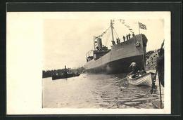 AK Passagierschiff War Wasp Vor Anker Liegend - Dampfer