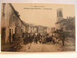 CPA 89 YONNE FROISSY LES VEZELAY LA GRANDE RUE TRES ANIMEE 180 - Vezelay