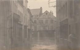 """CARTE PHOTO:GIVET (08) PHARMACIE """" DEVAUX """" PERSONNES DANS RUE INONDATION DE 1910 - Givet"""