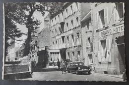 CPSM 29 ROSCOFF - Place De L'Eglise - ( Voiture DS 19 ) - Réf. C 262 - Roscoff
