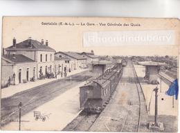 CPA  - 28 - COURTALAIN - La Gare Avec Train En Arrêt - Vue Générale Des Quais - Gares - Avec Trains