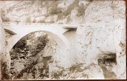 Ancien Tirage Photo Albuminé Original Le Pont De La Goule Noire - Villard De Lans à Pont-en-Royans - Gorges De La Bourue - Ancianas (antes De 1900)