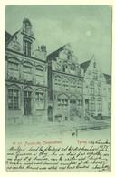 A0379[Postkaart] Ypres ... Maison Des Corporations [1898 Ieper By Night] - Ieper