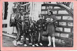 """Photo Léo Vermandel L'Homme Orchestre 2 Boulevard De Satlingrad Champigny Sur Marne Accompagne Ses  MajorsGills """"Grelot"""" - Champigny Sur Marne"""