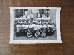 VAILLY SUR AISNE PHOTO DE CLASSE - Personnes Identifiées