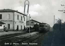 Grotte S.stefano Stazione Ferroviaria Treno - Italia