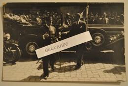 Carte Photo Rare Marechal Petain Descendant De Sa Voiture - Personaggi