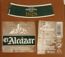 CASTILLO DE ALCÁZAR - JAÉN. JUEGO DE 3 ETIQUETAS. USADO - USED. - Cerveza