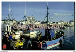 CPSM La Turballe Le Port Et Les Chalutiers - La Turballe