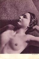 FEMME SEINS NUS PHOTO JACQUES LEMARE  PAGE EXTRAIT D'UNE REVUE FORMAT 26 X 18  CM - Erotic (...-1960)