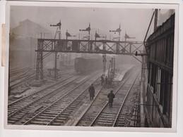 LANGUAGE OF SIGNALS SAFETY SCHEME VICTORIA STATION TRAIN TREN CHEMIN DE FER 21*16CM Fonds Victor FORBIN 1864-1947 - Trenes