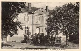 - VILLENEUVE Les GENETS  (89) -  La Mairie Et Ecoles   -8108- - Otros Municipios