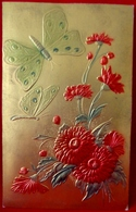 Belle Cpa Gaufrée PAPILLONS & FLEURS ROUGES  Fond Doré Aspect Métal , BUTTERFLIES & RED FLOWERS Golden , Embossed OLD PC - Fleurs