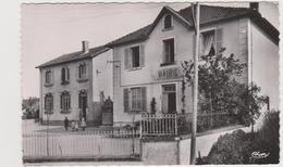 Poncins Mairie Et école De Garçons - France