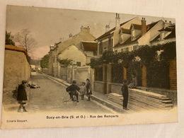 TRES RARE CPA Colorisée SUCY EN BRIE (94) : Rue Des Remparts (tricycle, Enfants) - Sucy En Brie