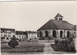 Deuil-la-Barre: RENAULT 4CV, CITROËN 2CV, DS, PEUGEOT 203, AUTOBUS - L'Eglise Et Le Jardin Du Presbytère - Voitures De Tourisme