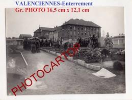 VALENCIENNES-Enterrement-Grosse PHOTO Allemande-GUERRE 14-18-1WK-France-59-Militaria- - Valenciennes