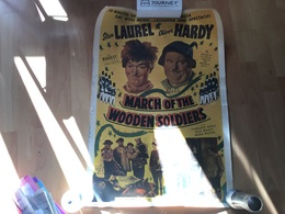 Affiche Laurel Et Hardy Affiche Ancienne 1934 March Of The Wooden Soldiers Comedy Succès - Affiches