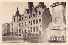 PHOTO ORIGINALE 39 / 45 WW2 WEHRMACHT FRANCE NORD / FLANDRES VUE SUR L HOTEL DE VILLE - Guerre, Militaire