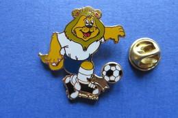 Pin's,UEFA EURO 96 ENGLAND,foot,soccer,ball,mascotte,lion - Fussball
