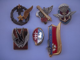 6 Insignes Divers  !!!!! - Armée De Terre