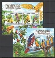 ST1491 2015 S. TOME E PRINCIPE FAUNA BIRDS PARROTS PAPAGAIOS KB+BL MNH - Papageien