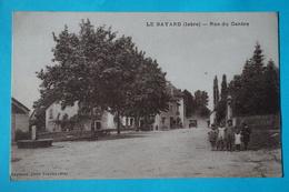 CPA 38 LE BAYARD BOUVESSE QUIRIEU RUE DU CENTRE ANIMEE VOITURE Canton MORESTEL - France