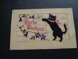 Chat ( 152 )   Kat    Carte Brodée  Geborduurde Kaart - Katten