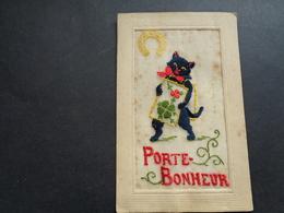 Chat ( 153 )   Kat    Carte Brodée  Geborduurde Kaart - Katten