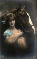Frau Mit Pferd - Pferde