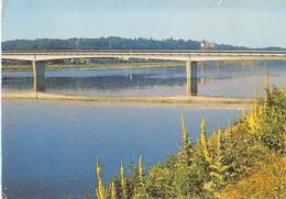 Onzain   H129        Chaumont Sur Loire Et Onzain. Le Pont Sur La Loire Et Le Château - Frankreich