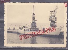 Au Plus Rapide Port De Casablanca Le Cargo Dioné Octobre 1953 - Barche
