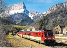 ** Lot De 3 CPM GF ** TRAINS  Train FRANCE Autorails X 2724-2719-2734  Zug Trenes Bahn Trein Treni - Trains