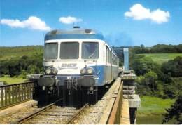 ** Lot De 2 CPM GF ** TRAINS  Train FRANCE Autorails X 2882 (Paimpol Guingamp ) Et 2880 - Zug Trenes Bahn Trein Treni - Treni