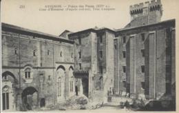 84 - AVIGNON - Palais Des Papes - (XIVe S.) Cour D'Honneur, Tour Campane  (Façade Sud-est), - Avignon