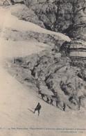 Les Pyrenees , France , 00-10s ; Vignemale , Caravane Dans Le Glacier D'Ossoue - Autres Communes