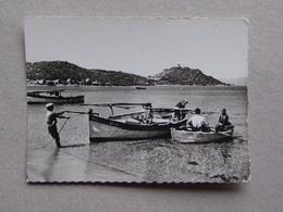 2A 20 Corse Plage De CAMPOMORO Barque De Pêche Pêcheur Attention Carte Coupée à Gauche - Autres Communes